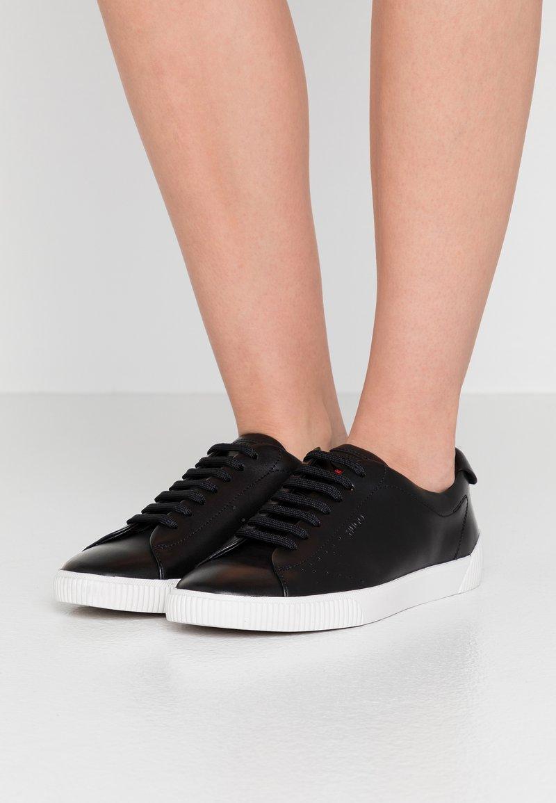 HUGO - Zapatillas - black