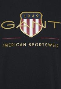 GANT - PLUS ARCHIVE SHIELD - T-shirt med print - black - 4