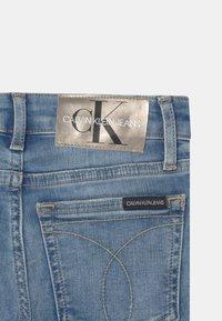 Calvin Klein Jeans - FLARE INFINITE  - Bootcut jeans - denim - 2