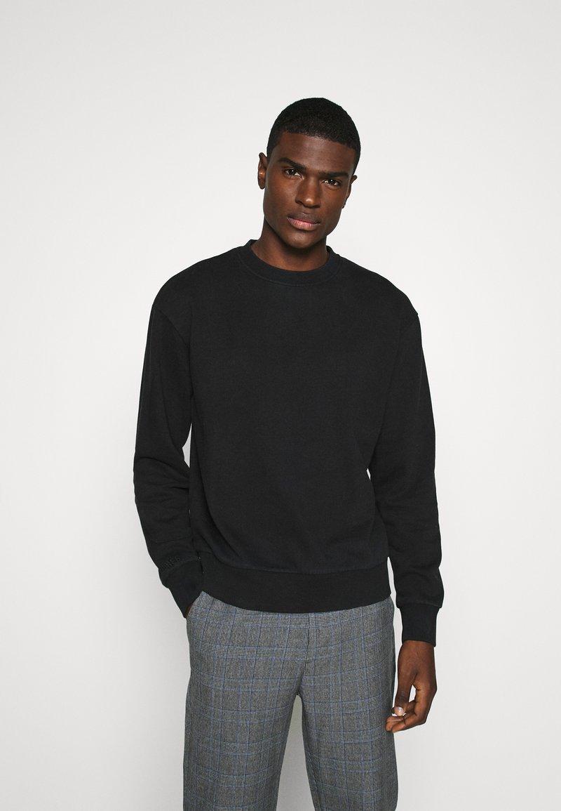 Jack & Jones - JORELLIOT  - Sweatshirt - black