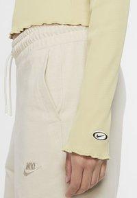 Nike Sportswear - Long sleeved top - tea tree mist - 4