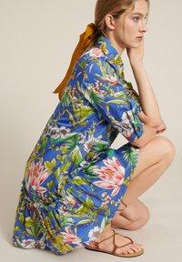 Luisa Spagnoli - Robe chemise - var blu - 4