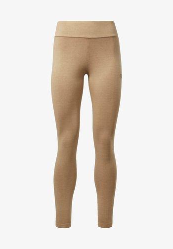 CLASSIC NATURAL DYE FOUNDATION - Leggings - brown
