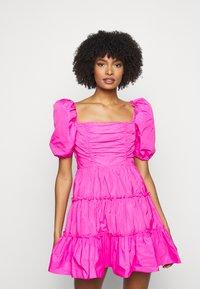 Cinq à Sept - RADLEY DRESS - Jurk - acid pink - 0