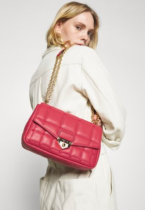 SOHO CHAIN - Handbag - red