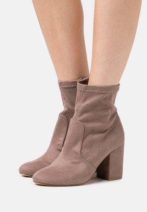 RAPIDD - Kotníkové boty - grey