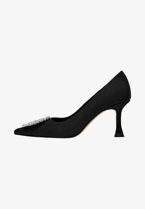 MIT SCHMUCKSTEIN - Classic heels - black