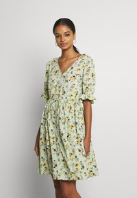 Pieces - PCCARLA DRESS - Kjole - pastel green - 0