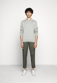 Filippa K - TERRY CROPPED SLACKS - Trousers - green grey - 1