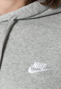 Nike Sportswear - CLUB HOODIE - Bluza z kapturem - grey heather/matte silver/white - 4