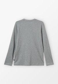 Puma - LOGO LONGSLEEVE  - Long sleeved top - medium grey heather - 1