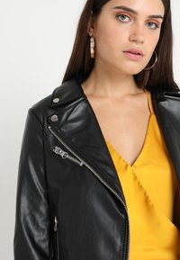 Urban Classics - LADIES BIKER - Veste en similicuir - black