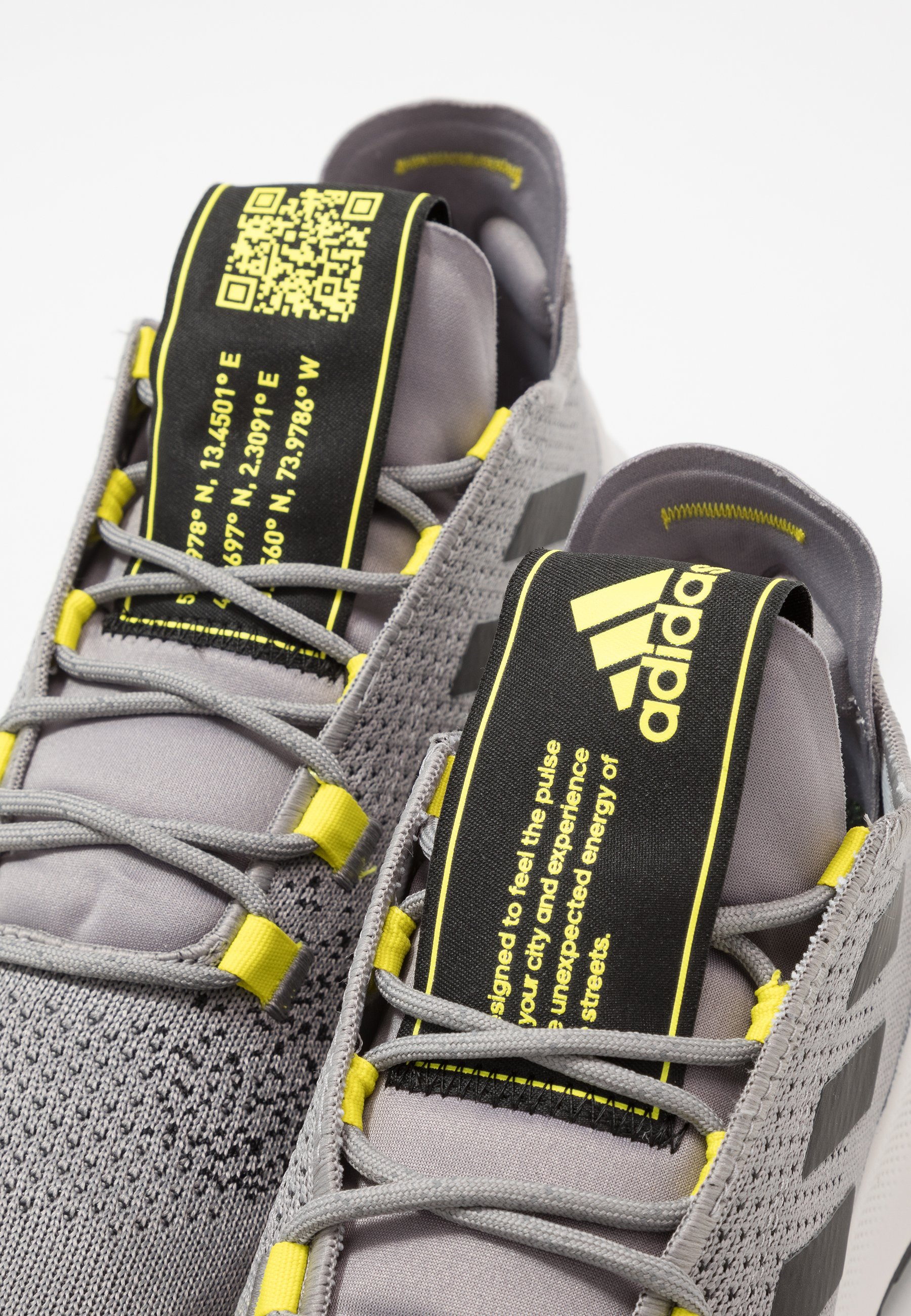 adidas Performance SENSEBOUNCE ACE Nøytrale løpesko grey