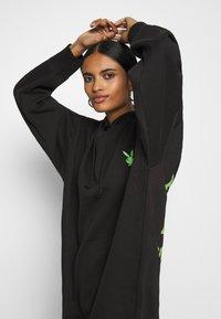 Missguided - PLAYBOY OVERSIZED LOGO HOODY DRESS - Korte jurk - black - 3