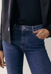 Massimo Dutti - MIT HALBHOHEM BUND  - Jean slim - blue - 6