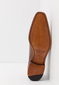 Cordwainer - ARMAND - Elegantní šněrovací boty - turin castagna - 4