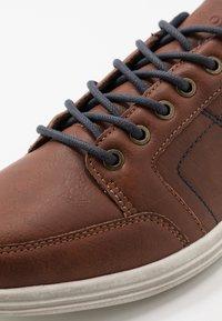 Pier One - Sneakers laag - cognac - 5