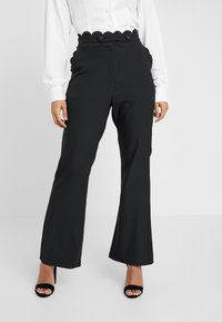 Fashion Union Petite - TORA TROUSERFASHION UNION SCALLOP TRIM - Trousers - black - 0