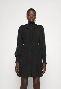 MICHAEL Michael Kors - SWISS DOT SMOCKED DRESS - Denní šaty - black - 0