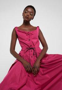 Vivienne Westwood Anglomania - NEW SATURDAY DRESS - Maxi dress - fuschia - 3