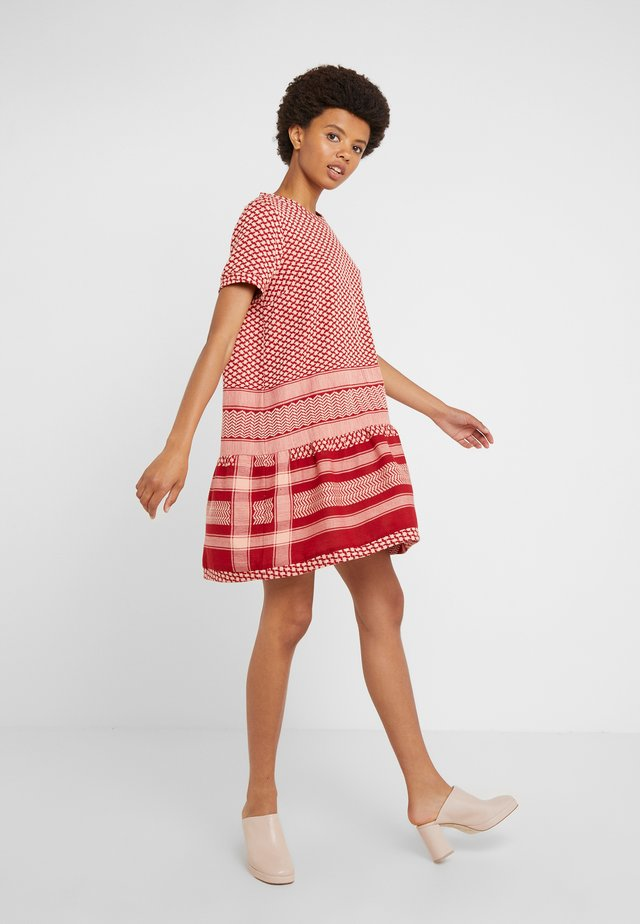 DRESS - Day dress - raspberry