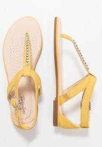 Clarks - BAY POPPY - Sandalias de dedo - yellow - 2