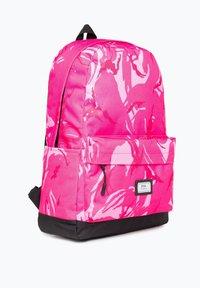Ones Supply Co. - Reppu - pink - 2