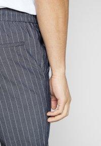 Only & Sons - ONSLINUS CROP STRIPE  - Trousers - dark blue - 3