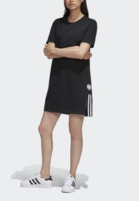 adidas Originals - ADICOLOR SPORTS INSPIRED REGULAR DRESS - Sukienka letnia - black/white - 4