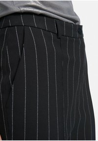 Uta Raasch - Trousers - nachtblau/weiß - 5