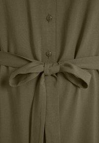 Anna Field Curvy - Shirt dress - olive - 5