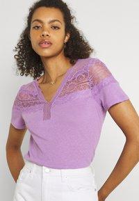 Morgan - DIETER - Camiseta básica - lilac - 3