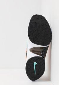 Nike Sportswear - SIGNAL D/MS/X - Sneakers laag - guava ice/light aqua/hyper crimson/blue hero/cedar/black - 5