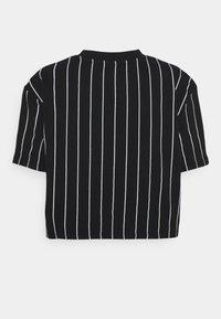 Karl Kani - SIGNATURE PINSTRIPE TEE - Print T-shirt - black - 6