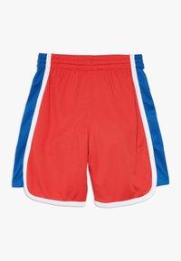 Champion - PERFORMANCE - Krótkie spodenki sportowe - red/blue/white - 1