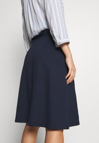 King Louie - AVA SKIRT MILANO CREPE - A-line skjørt - dark navy - 3