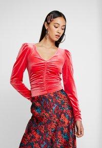 Monki - MAJLI - Long sleeved top - red - 0