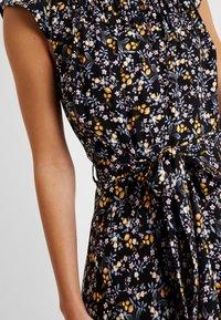 Dorothy Perkins Petite - DITSY BUTTON DRESS - Day dress - black - 6