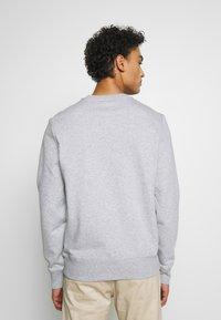 Michael Kors - GARMENT DYE LOGO - Sweatshirt - heather grey - 2