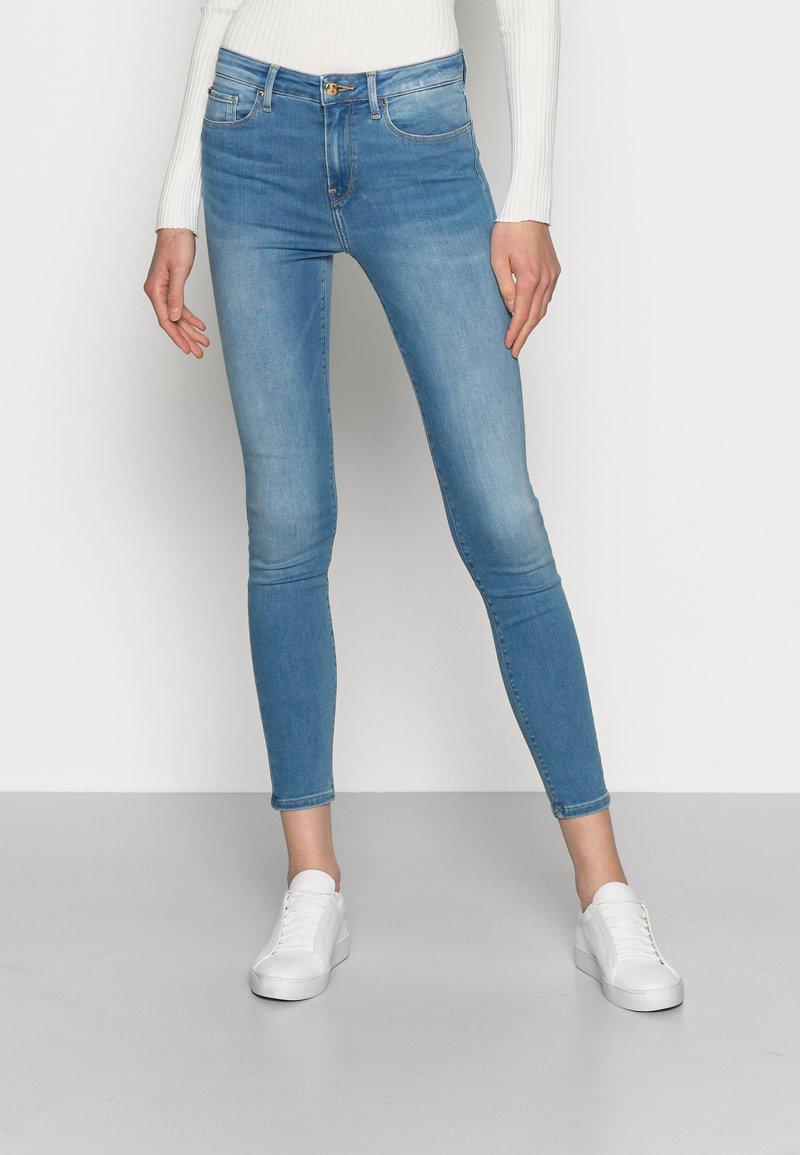 Tommy Hilfiger - FLEX COMO SKINNY - Jeans Skinny Fit - denim
