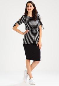 New Look Maternity - Spódnica ołówkowa  - black - 1