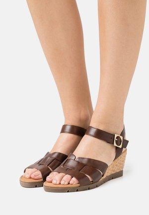 Wedge sandals - sattel
