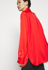 Mulberry - ADELINE BLOUSE - Button-down blouse - bride red - 3
