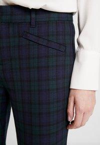GAP - SKINNY ANKLE ZIPPER PLAID - Spodnie materiałowe - blackwatch plaid - 5