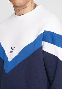 Puma - ICONIC CREW  - Sweatshirt - peacoat - 4