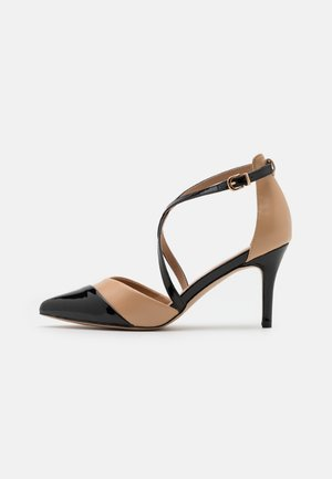 CURLY - Classic heels - camel/black