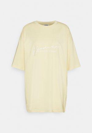 CISSI TEE - T-shirts med print - yellow light