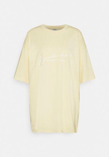 CISSI TEE - Camiseta estampada - yellow light