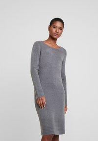 TOM TAILOR - DRESS - Pletené šaty - anthracite melange - 0