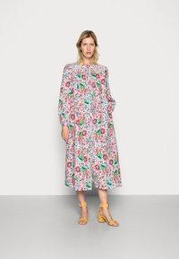 Résumé - GRADY DRESS - Shirt dress - dark coral - 0